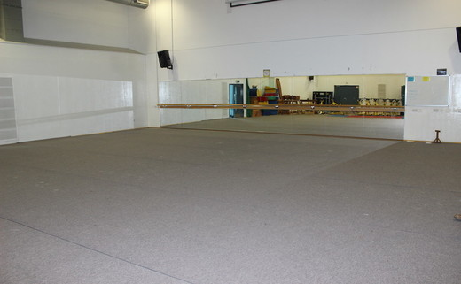 Regular_harefields_-_dance_studio