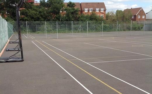 Regular_netball_courts_1