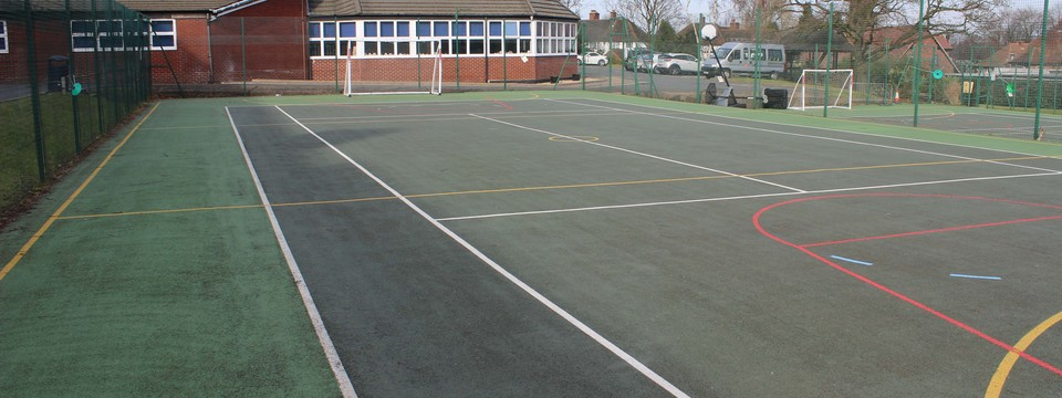 Regular_sutton_-_outdoor_muga_sl