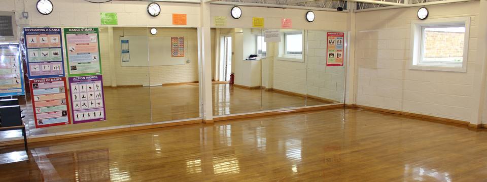 Regular_hoo_-_dance_studio_sl