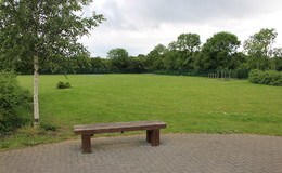 Thumb_ormiston_grassed_area_2_th