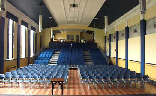 Regular_queens_park_main_hall_school_thumb