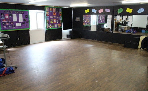 Regular_lostock_-_drama_room_th