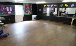 Thumb_lostock_-_drama_room_th