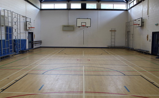 Regular_parkside_c_-_gymnasium_th