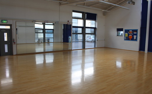 Regular_barnhill_-_dance_studio_1_thumb