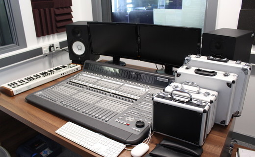Regular_southlands_-_recording_studio_1_th