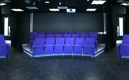 Regular_southlands_-_theatre_th