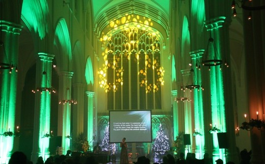 Regular_church_lit_green