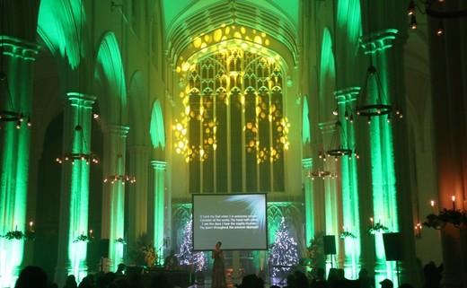 Regular_church_lit_green