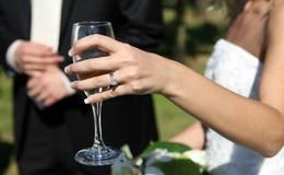 Thumb_outdoor_wedding