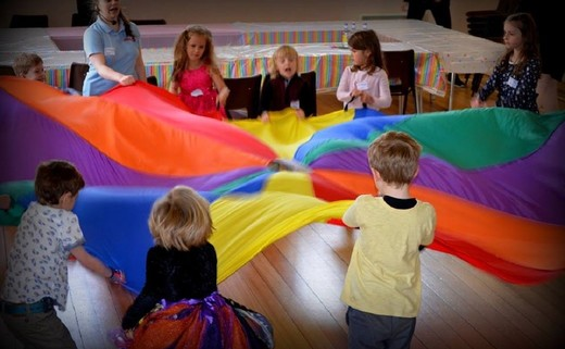 Regular_childrens_party_parachute