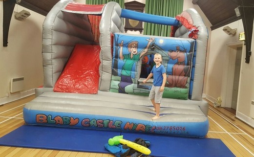 Regular_bouncy_castle_2