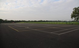Thumb_tenniscourt