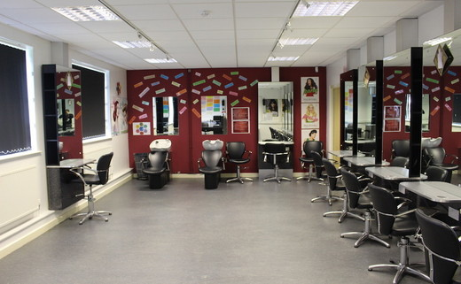 Regular_flixton_-_salon_2
