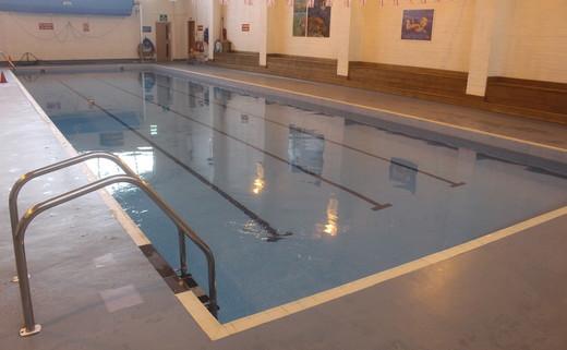 Regular_gateway_-_swimming_pool_4