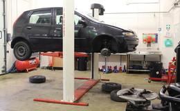 Thumb_gateway_-_mechanics_garage