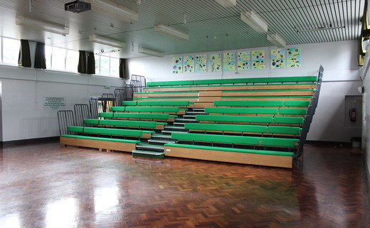 Regular_main_hall_seating