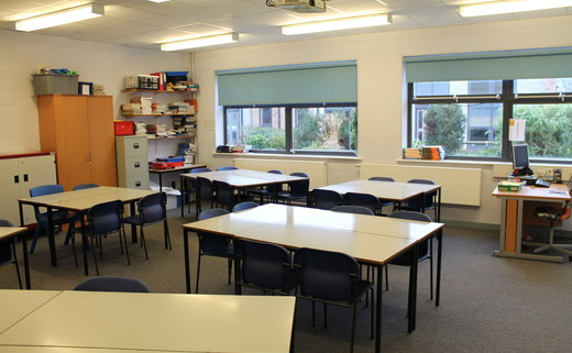 Regular_long_eaton_-_classroom
