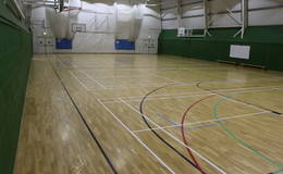 Thumb_upper_wharfdale_-_sports_hall_1