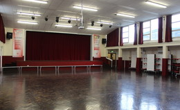Thumb_aquinas_-_main_hall_3_th