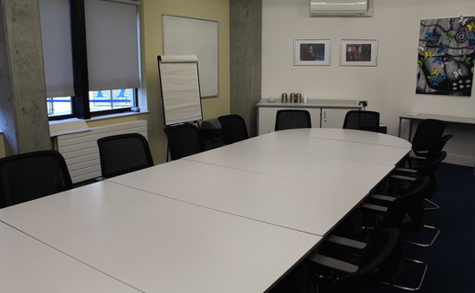 Regular_walworth_-_conference_room_th