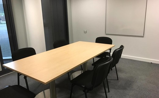 Regular_meeting_room_b
