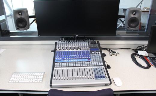 Regular_aek_putney_-_recording_studio_2
