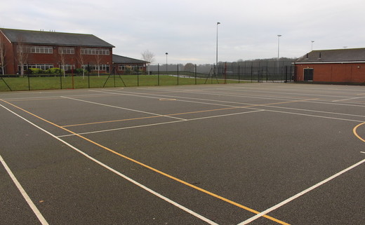 Regular_hayfield_-_tarmac_muga