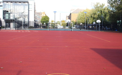 Regular_walworth_-_outdoor_muga__3__th