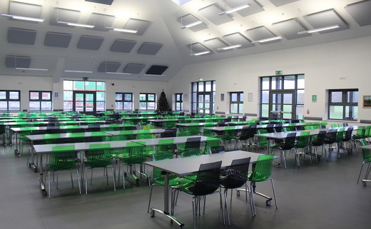 Regular_hayfield_-_dining_hall