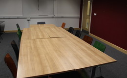 Thumb_hayfield_-_conference_room_1