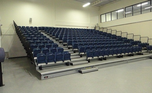 Regular_main_hall_-_seating_1