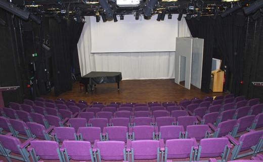Regular_theatre_3