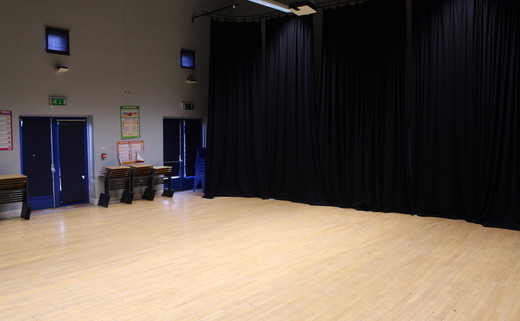 Regular_beverley_grammar_-_drama_studio_2_th