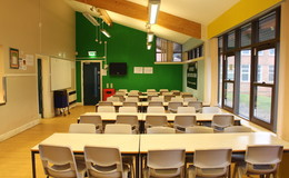 Thumb_beverley_grammar_-_dining_area_1_th