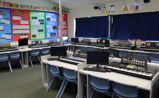 Regular_beverley_grammar_-_music_room_th