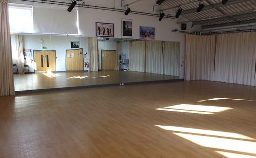 Regular_dance_studio