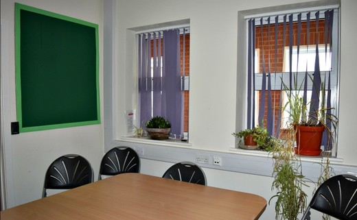 Regular_small_meeting_room_-_gorse_hill