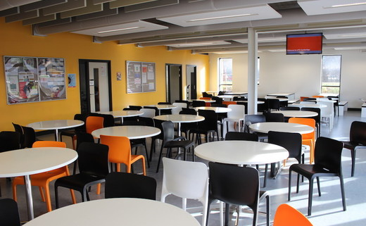 Regular_utc_camb_-_dining_area