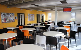 Thumb_utc_camb_-_dining_area