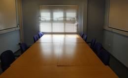Thumb_de_lacy_-_conference_room_1
