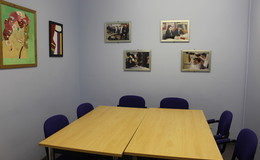 Thumb_de_lacy_-_meeting_room
