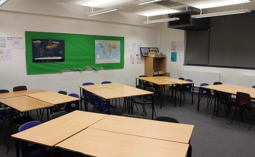 Regular_lees_brook_-_classroom_thumb