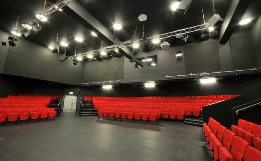 Regular_theatre_2