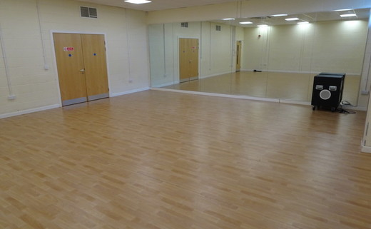 Regular_hetton_-_dance_studio