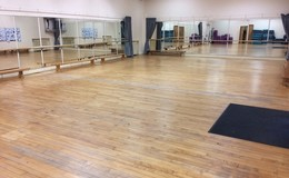 Thumb_dance_studio