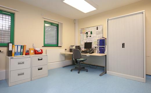 Regular_riverside_treatment_room_-_2jpg