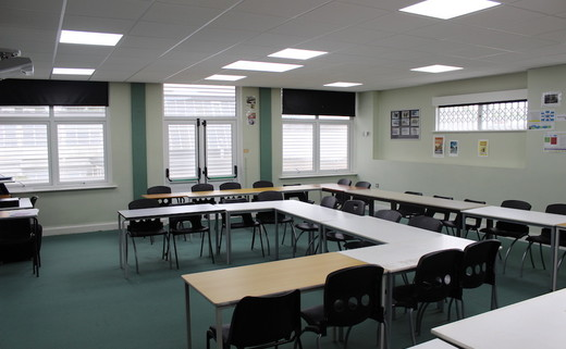 Regular_ravenswood_-_classroom__2_