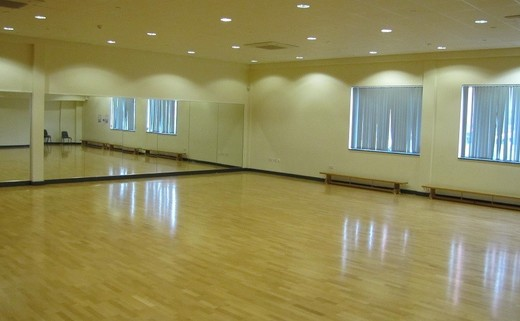 Regular_dance_studio_web